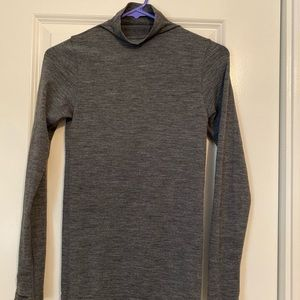Athleta long sleeve size XS!